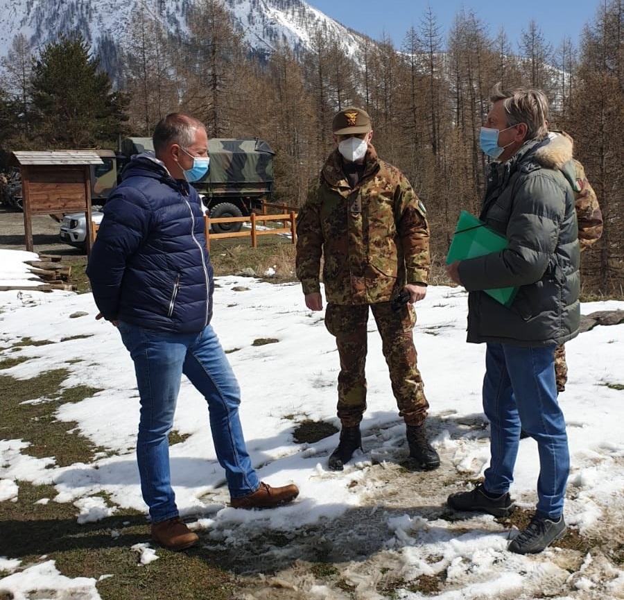 Incontro fra vertici militari, Sindaco Comune di Usseaux e Presidente dei Parchi Alpi Cozie per il poligono di tiro