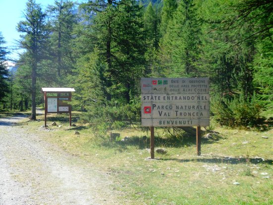 Val Troncea: parcheggio a pagamento all'ingresso del Parco